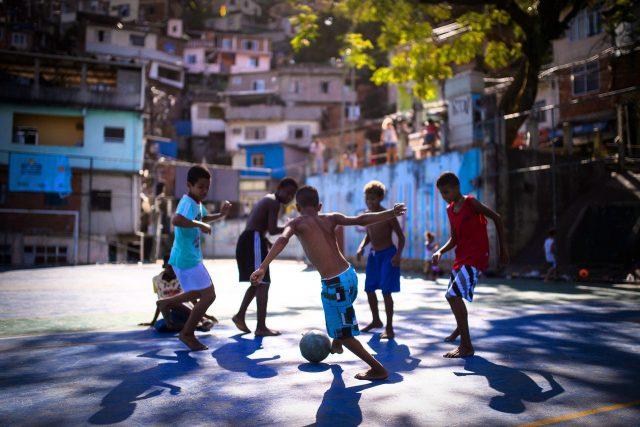 Cat fotbal trebuie sa faca un copil?